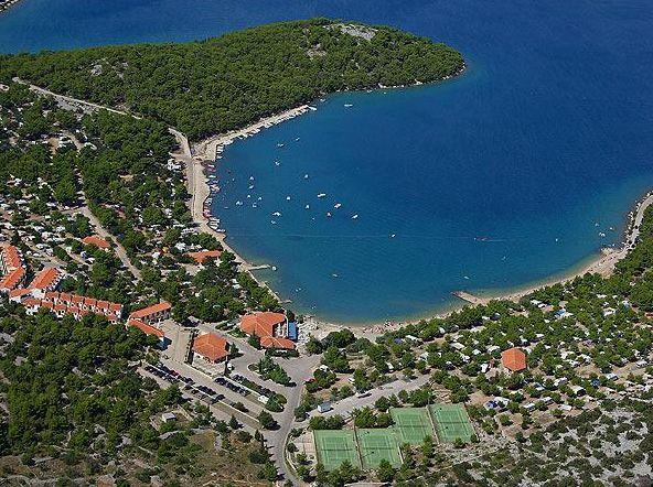 Murter-sziget, Jezera Village Resort