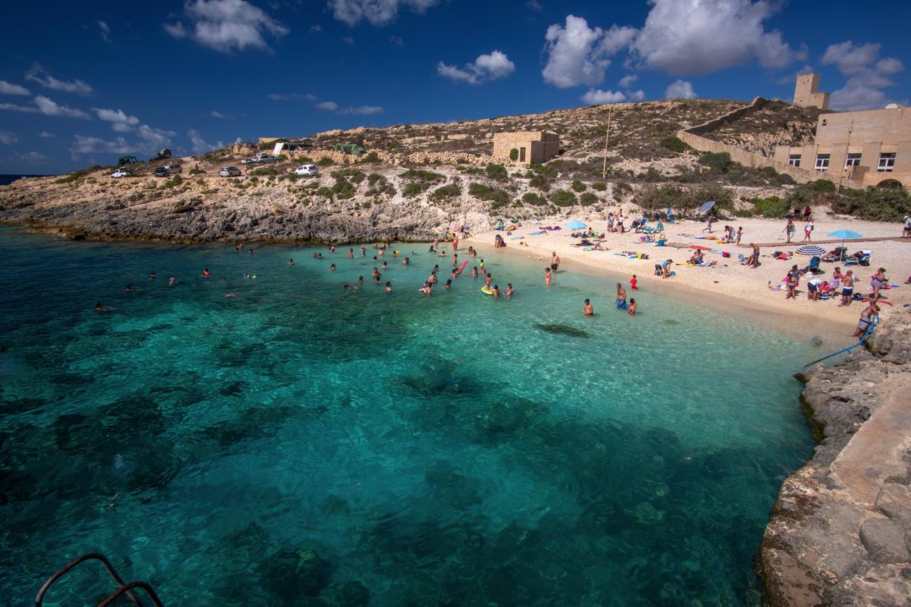 Málta akár 200 eurót is fizet a turistáknak