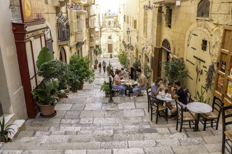 Május 10-től nyitnak az éttermek Máltán